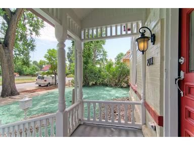 Front Porch...white With Red Door Http://www.homes
