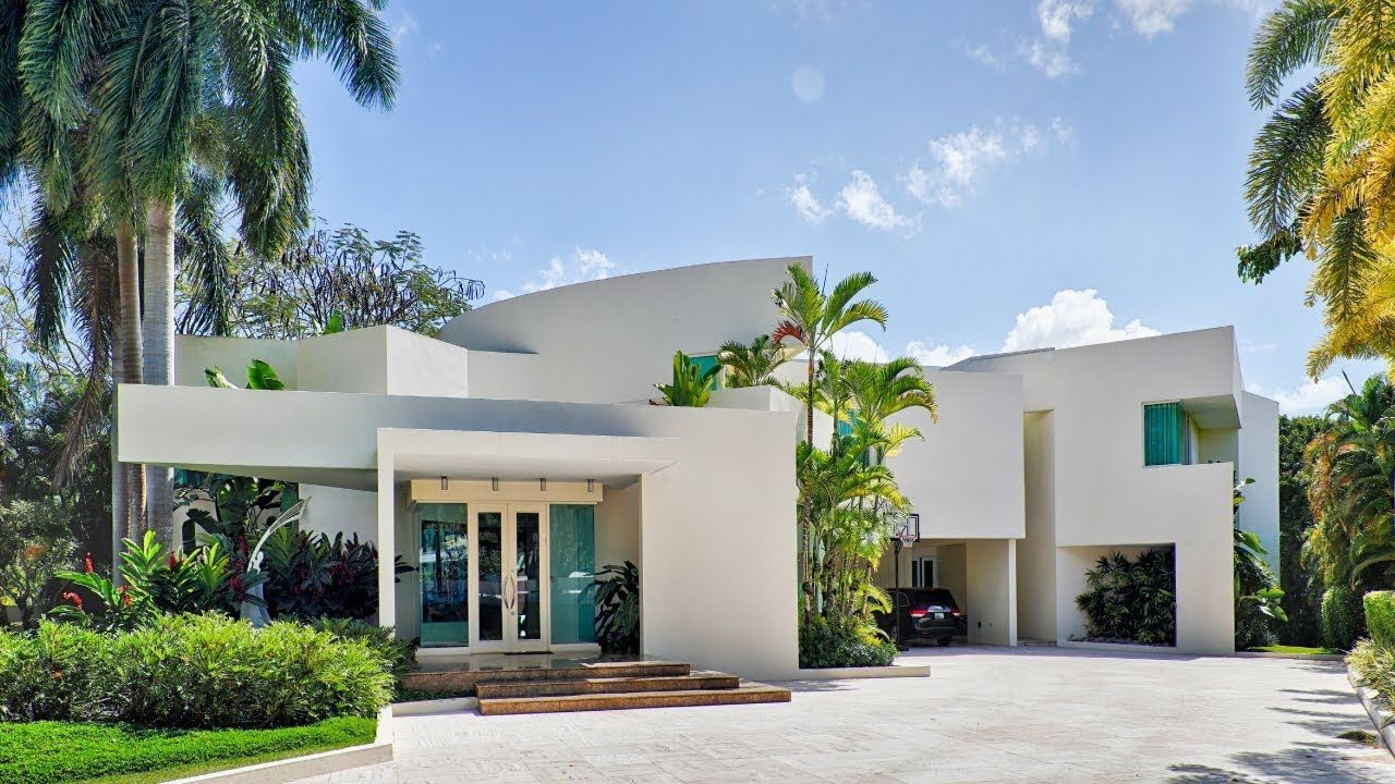Modern Luxurious Mansion In San Patricio Guaynabo Puerto Rico Mansions Guaynabo Real Estate