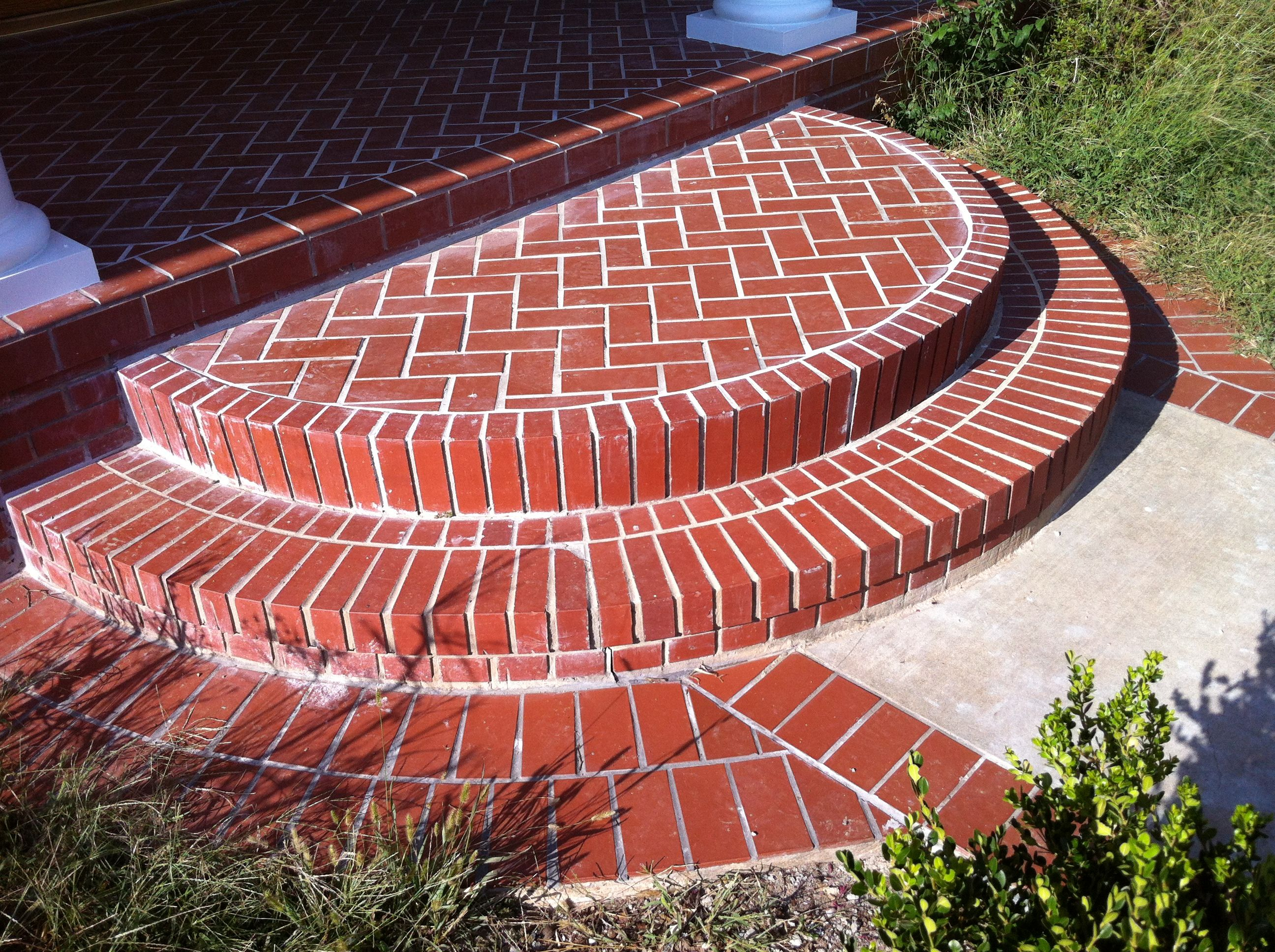 Best 85C7569325A7A5A2Bd66B07164De62F1 Jpg 2 592×1 936 Pixels Brick Steps Round Stairs Brick Facade 400 x 300