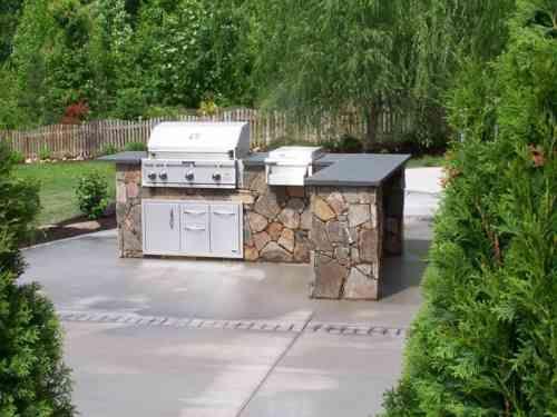 Plan de travail extérieur pour une cuisine du0027été pratique Backyard