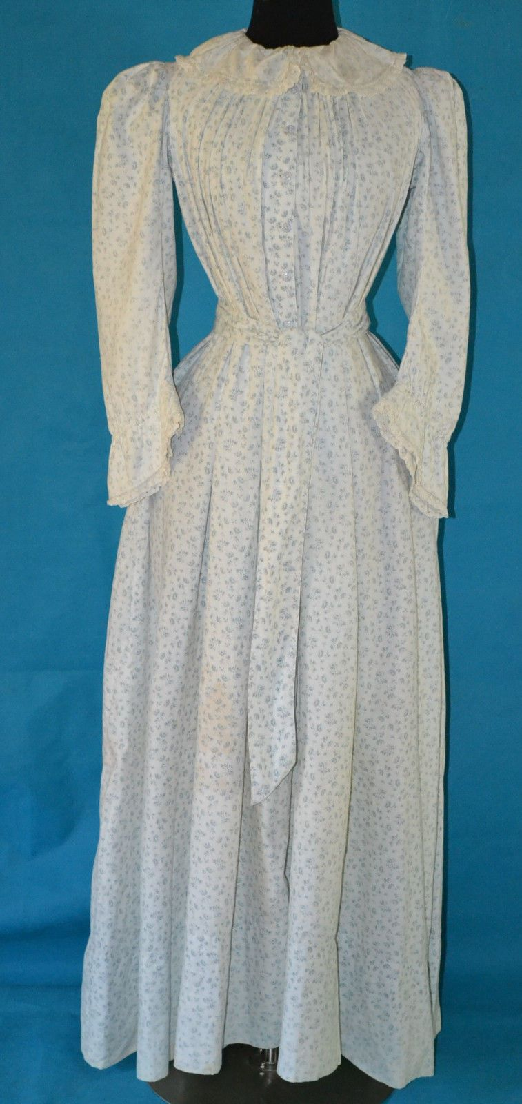 Rare antique 1800s victorian maternity dress blue calico print 7 rare antique 1800s victorian maternity dress blue calico print 7 china buttons ebay ombrellifo Image collections