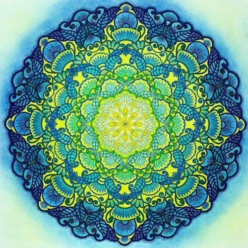 Hermosa Mandala Tonos Frios