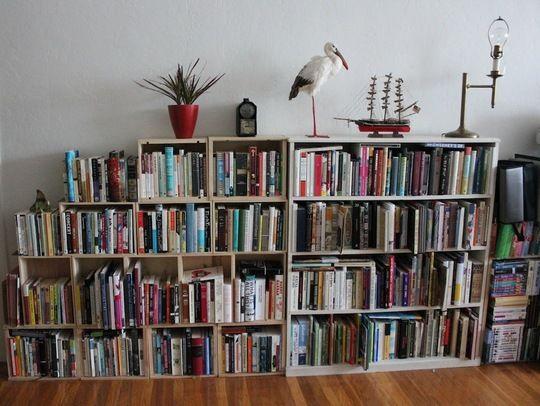 booksbooksbooksbooksbooks... via Apartment Therapy
