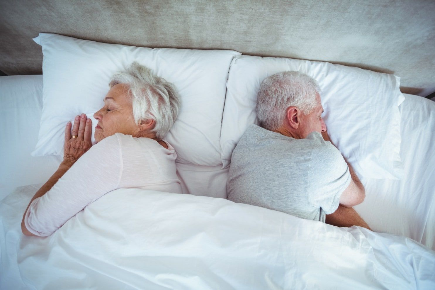 Aging can cause sleep problems but so can anxiety, health problems and medication side effects - by @healthierpeople Many older adults have sleep problems that can be caused by aging. But other issues also contribute to the prevalence of sleep complaints, and they should be discussed and investigated, experts say. https://www.washingtonpost.com/national/health-science/having-trouble-sleeping-it-is-not-just-because-of-aging/2017/11/24/ec2a149a-c63f-11e7-aae0-cb18a8c29c65_story.html #sleep…