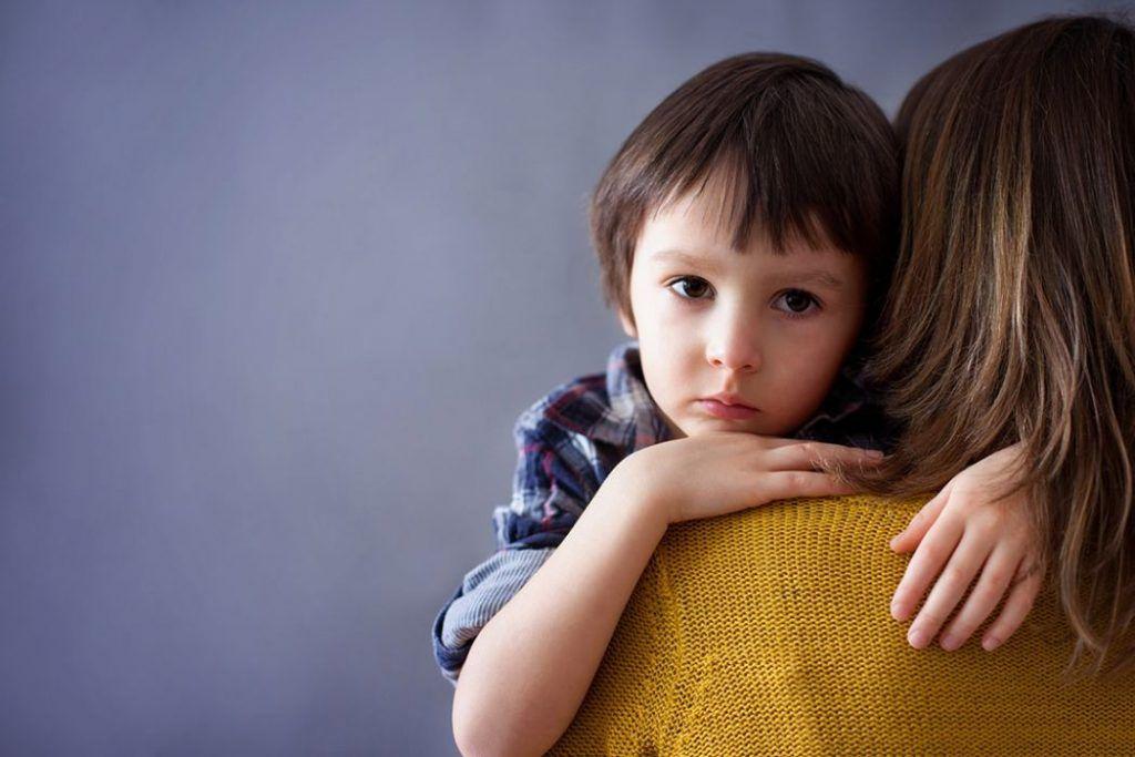 Τα προειδοποιητικά σημάδια και τα συμπτώματα του αυτισμού σε κάθε ηλικία