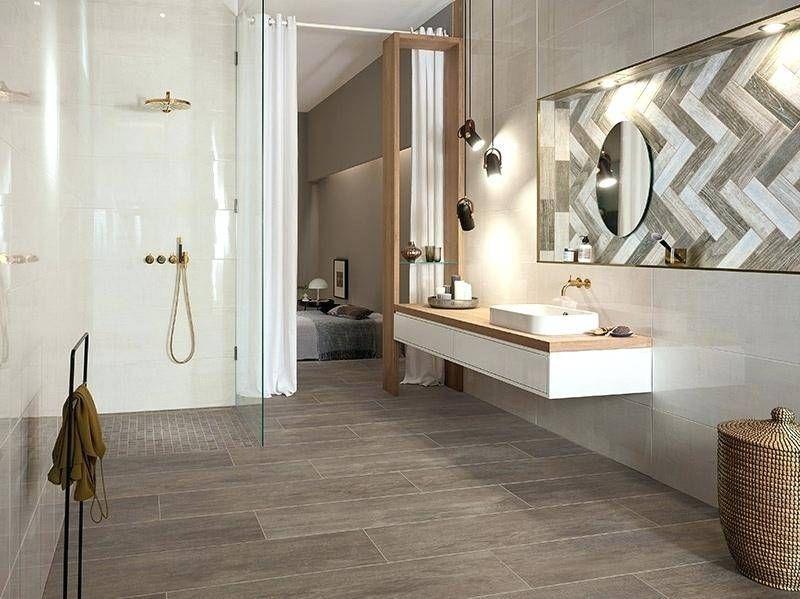 Fliesen Holzoptik Bad In 2020 Fliesen Holzoptik Bad Badezimmer Trends Gemutliches Badezimmer