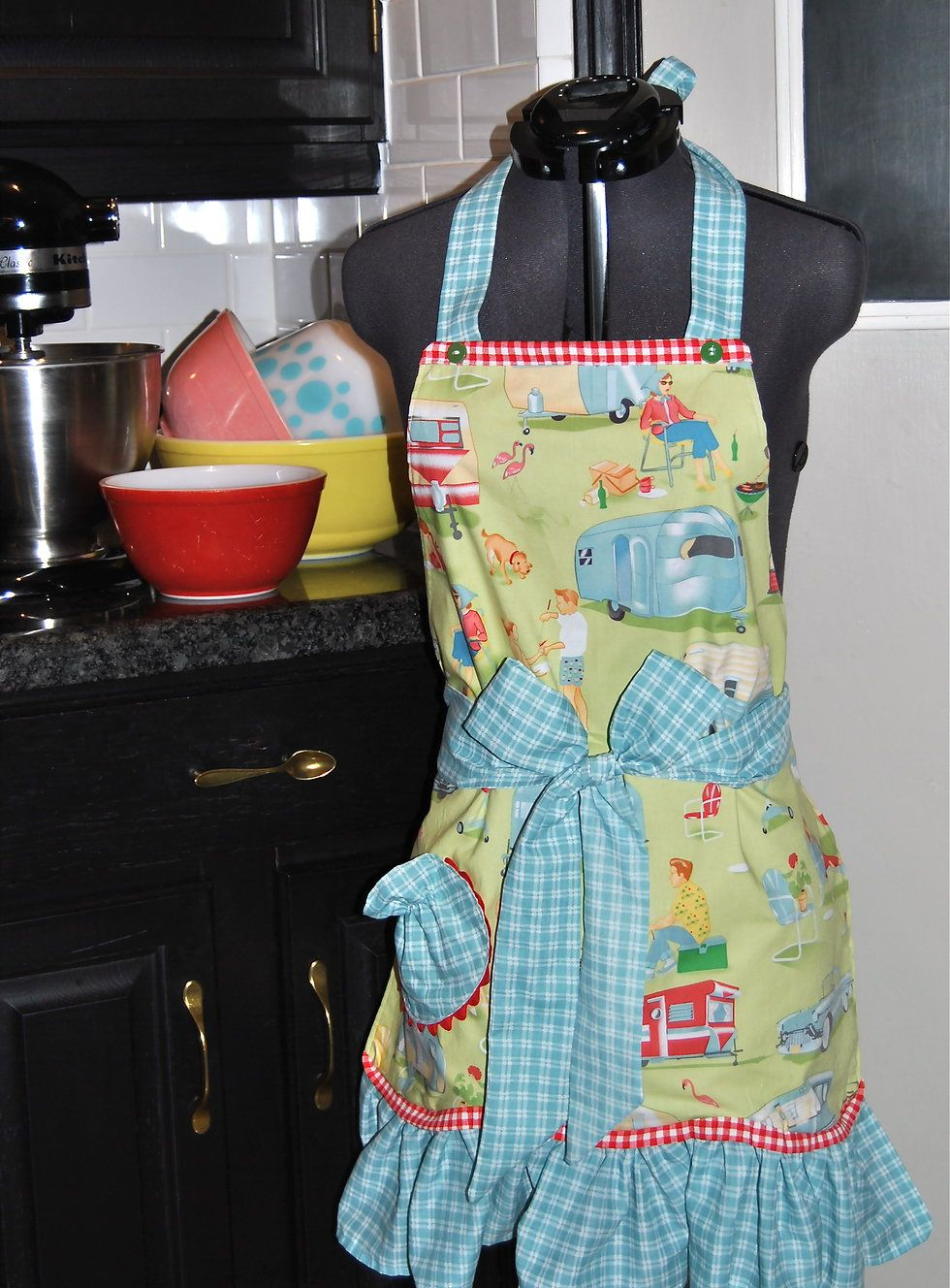 Retro Apron in super summer camping and pic-nic print with a fun aqua and red gingham.  Have fun in the kitchen cooking with an apron like this on.