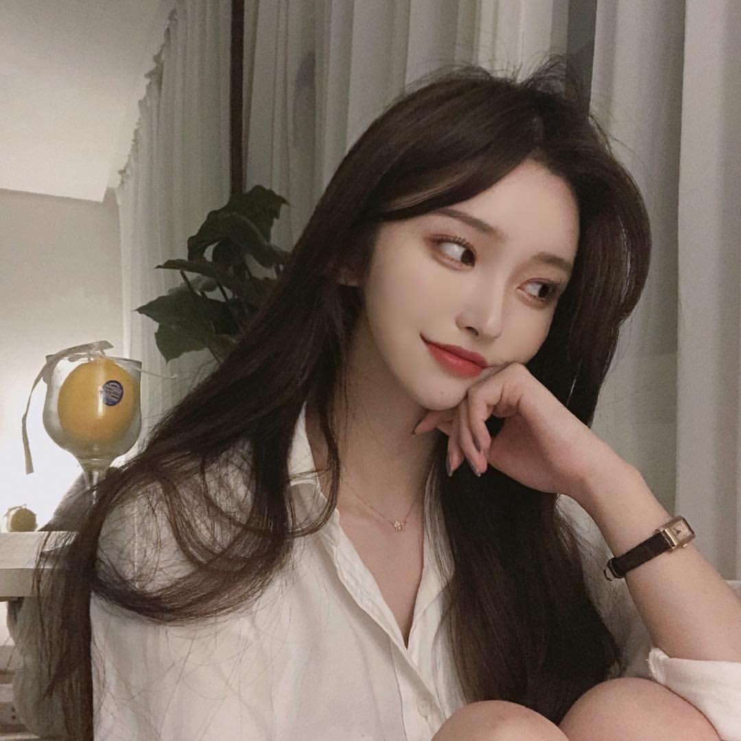 Kim Nahee | Kecantikan orang asia, Makeup ulzzang, Gadis
