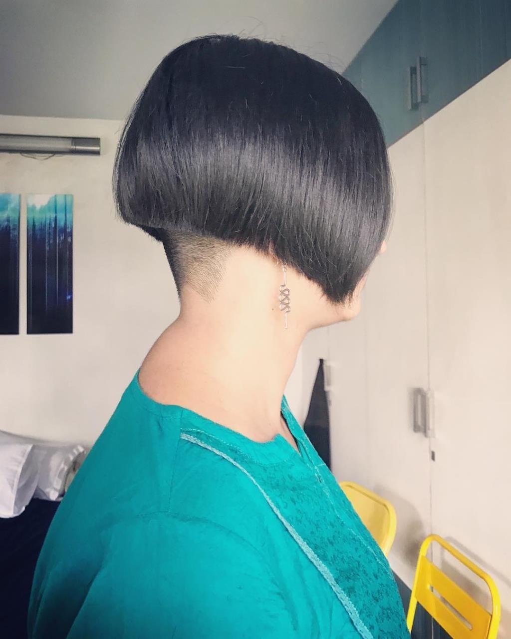 Bob Hair Haircut Headshave And Bald Fetish Blog