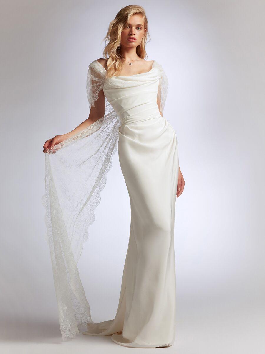 See Vivienne Westwood Wedding Dresses From Bridal Fashion Week Vivienne Westwood Bridal Vivienne Westwood Wedding Dress Vivienne Westwood Wedding [ 1200 x 900 Pixel ]