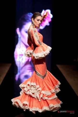 Traje de Flamenca - Sonia-%26-Isabelle - Pasarela-Flamenca-2012
