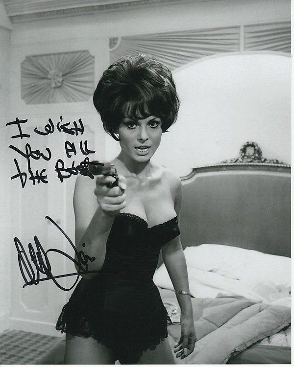 DALIAH LAVI Signed CASINO ROYALE JAMES BOND 007 GIRL Photo w ...