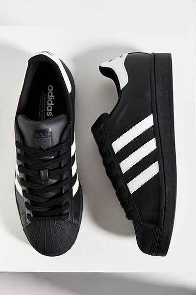 adidas Black Superstar Sneaker - Urban Outfitters