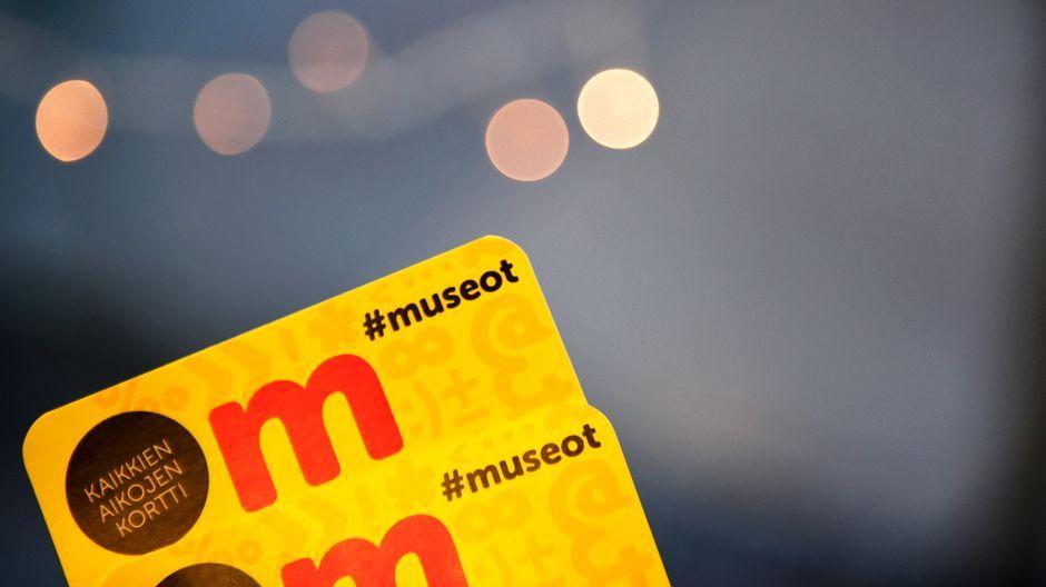Museokortti löytyy tällä vauhdilla vuoden loppuun mennessä jo 100 000 suomalaisen taskusta. Sitä myös käytetään ahkerammin kuin kukaan uskalsi toivoa. Museoille kortti on tuonut lisää lipputuloja. Ne ovat arvossaan, kun julkinen raha on tiukassa.