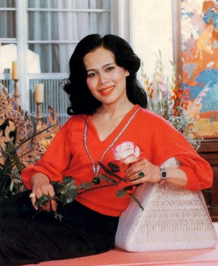 สมเด็จพันปีหลวง: HM The Queen Sirikit Of Thailand