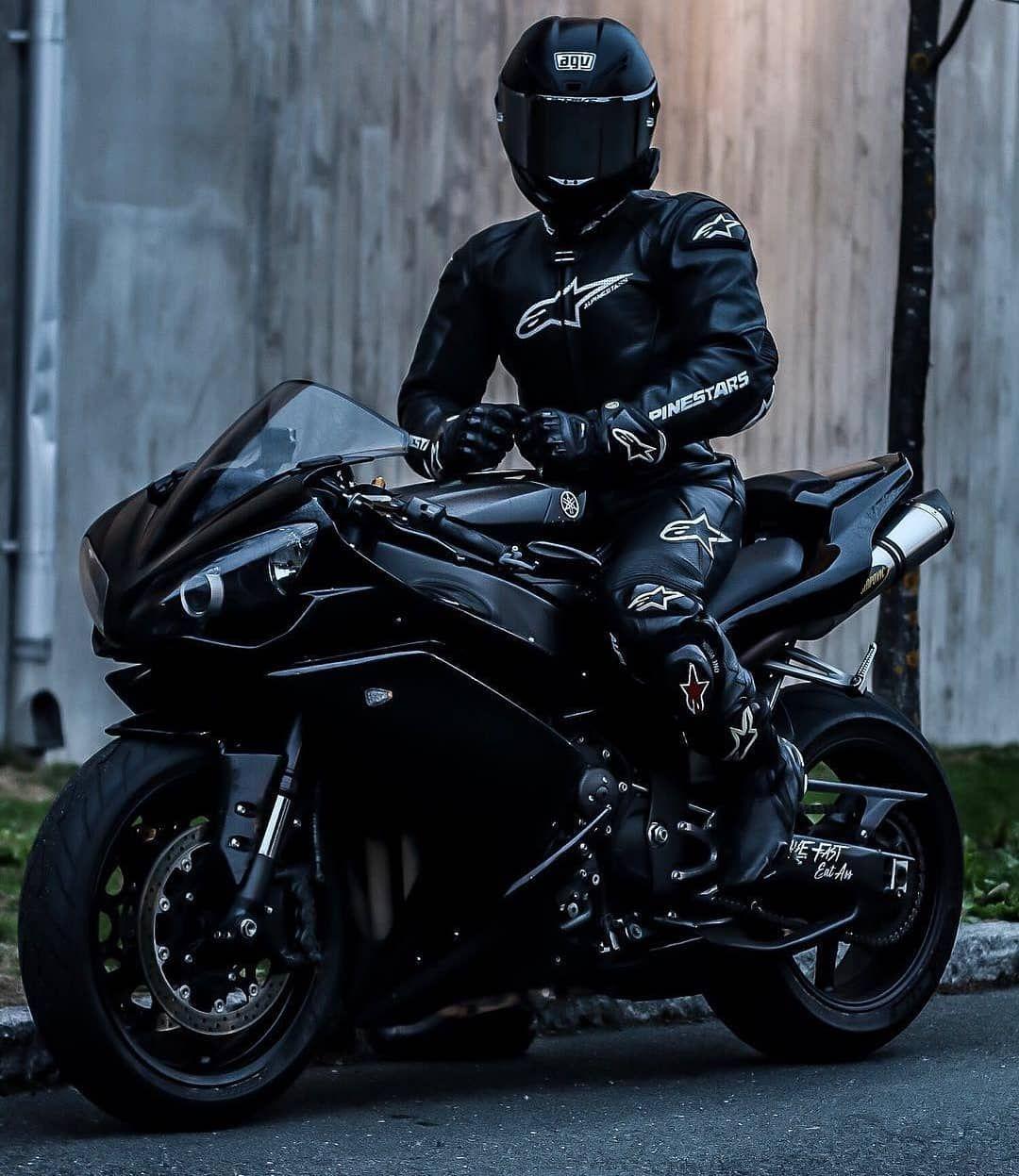 Картинка мотоцикл и байкер