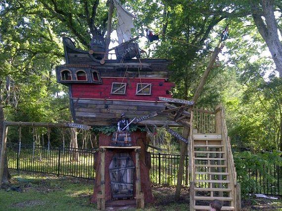 6x Inspirerende Boomhutten : Pirate tree house boomhut pinterest boomhut tuin en