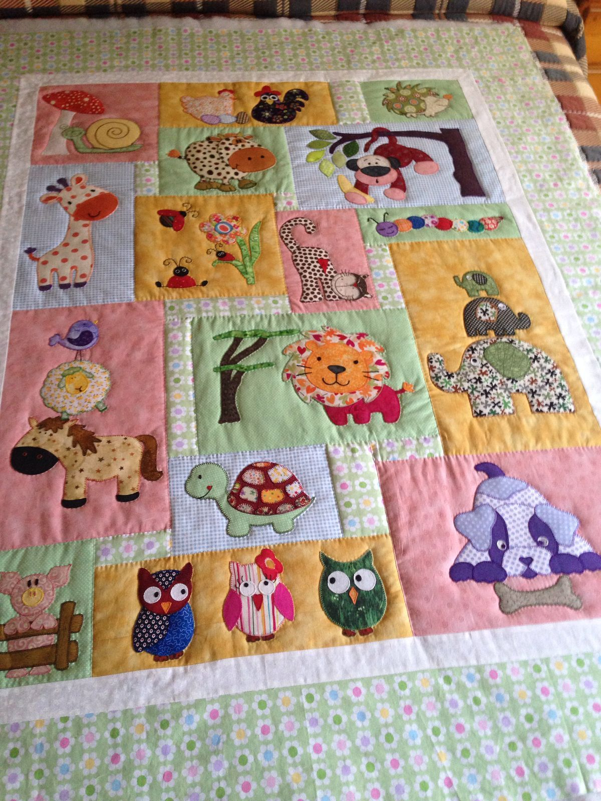 Best 12 Kids Quilts Daisy Bear Girl Teddy Bear Applique Quilt
