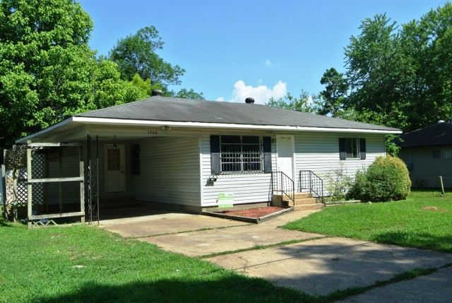 Completely remodeled 2 bedroom home on Kentucky in Poplar Bluff MO ...