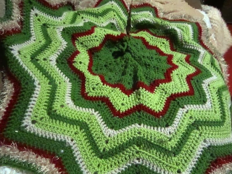 crochet christmas tree skirt - Bing Images