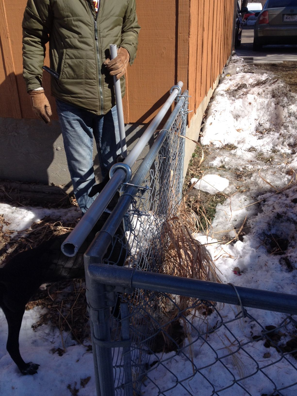 DIY dogproof fence topper / coyote roller Dog proof