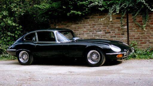 Jaguar E-Type V12 in unbrocken aerodynamic line  Foto