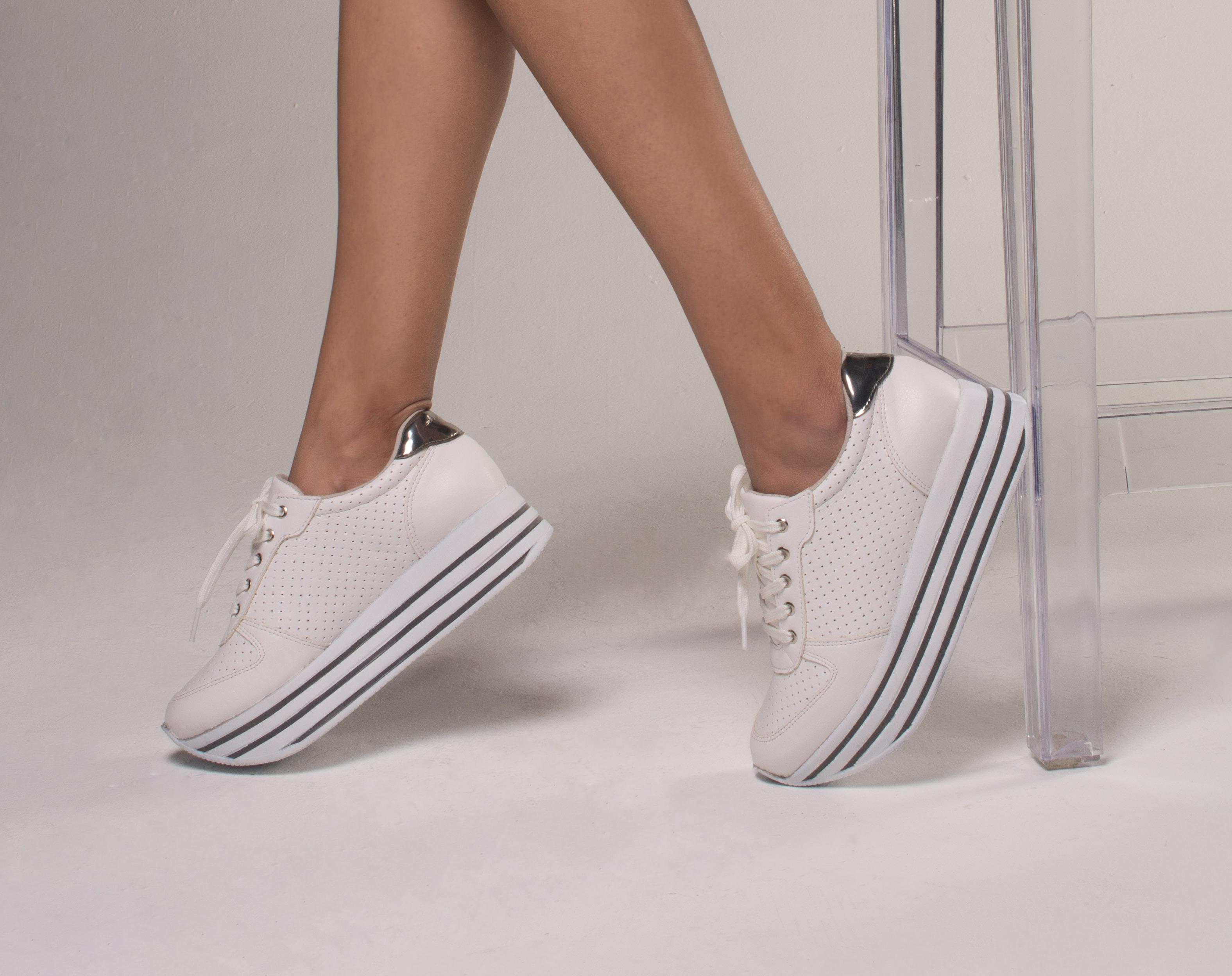 9d32b86bcfc Casual - Trend - White - Fashion - Solado Alto - Style - Ref. 17-4504