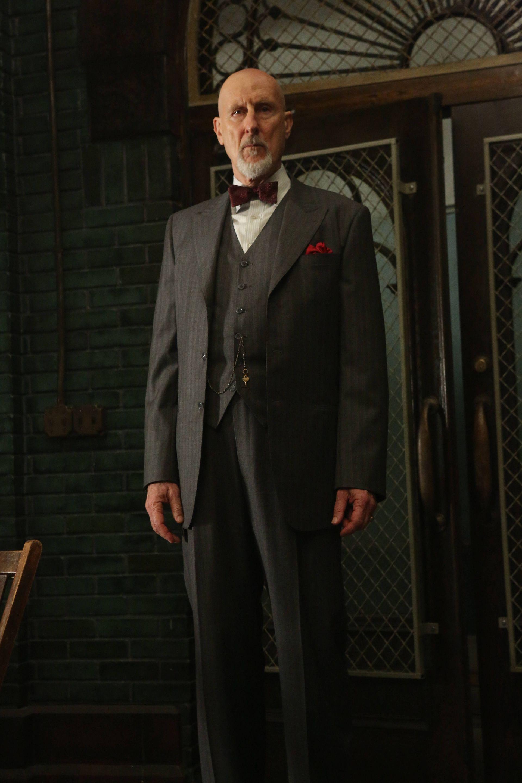 Joseph Cromwell as Dr  Arthur Arden | AHS Asylum (Season 2