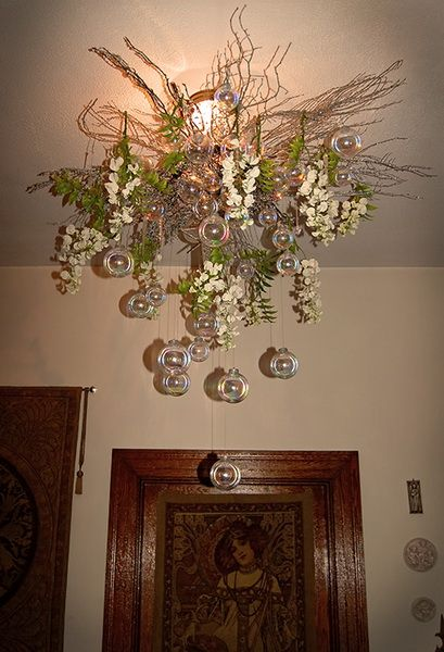 A Whole Bunch of Christmas Chandelier Decorating Ideas | Christmas ...
