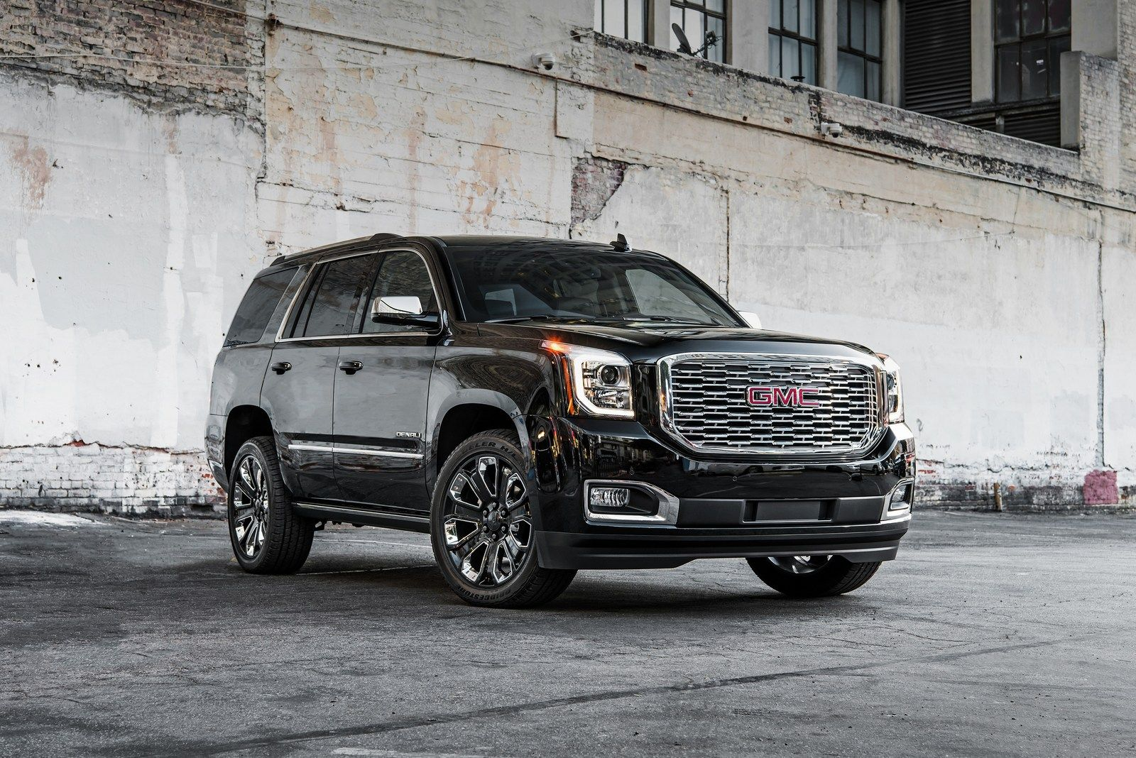 2018 Gmc Yukon Denali Ultimate Black Edition Brings The Bling To La Gmc Yukon Denali Gmc Denali Yukon Denali