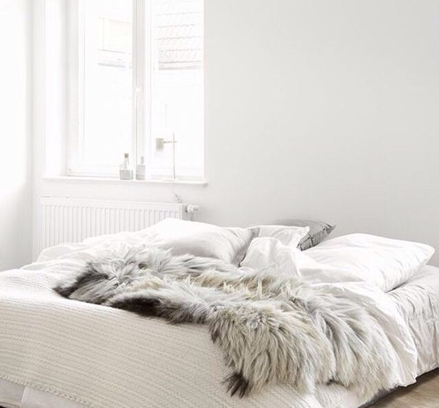 that fur.. all of the whites X