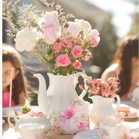 Detalhes.  #catalogodeideias #festainfantil #arranjodeflores #flowers #festalinda #festainfantil #idees #details