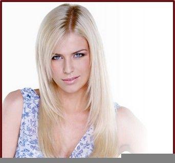 Dünne blonde Milf auf WebCam