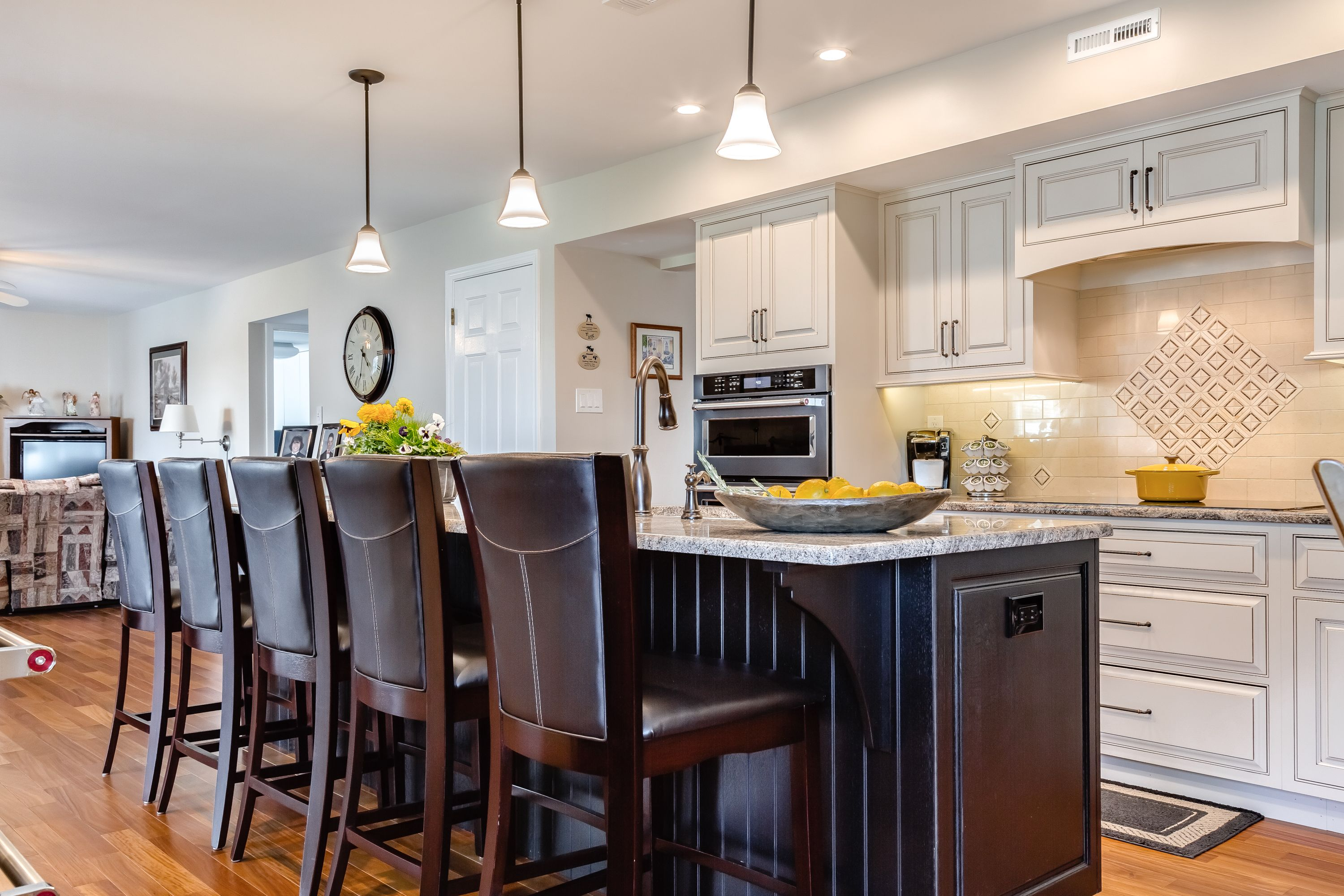 A kitchen remodel in Holland, Pennsylvania was designed ...