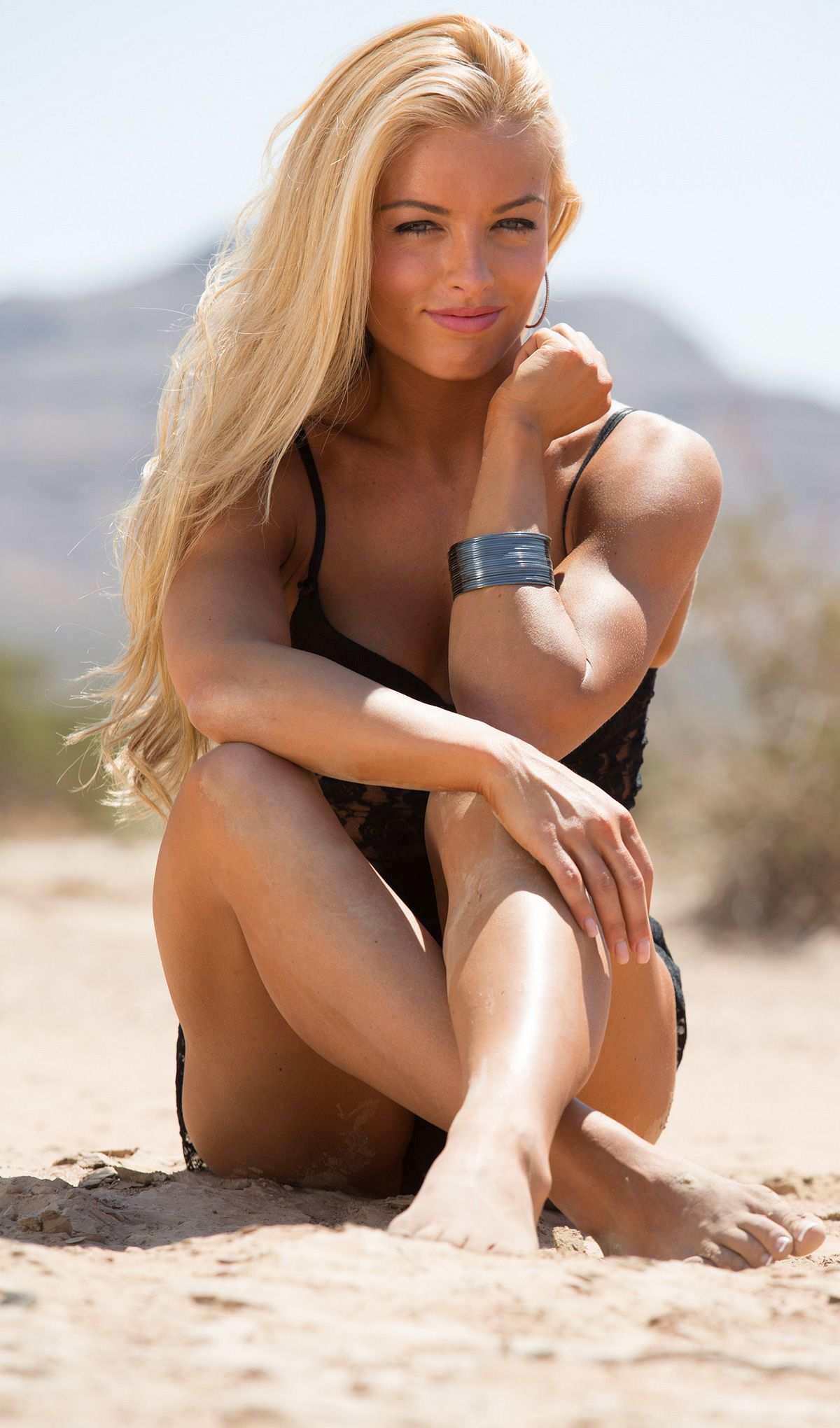 Mandy sweet and athletic women | Erotic photo)