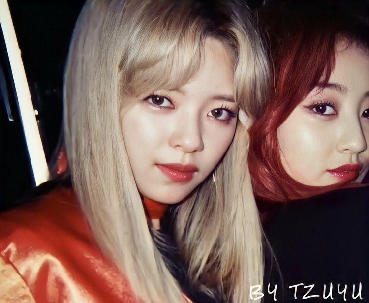 Pin By Shannon Reedy On Music Nayeon Korean Girl Groups South Korean Girls