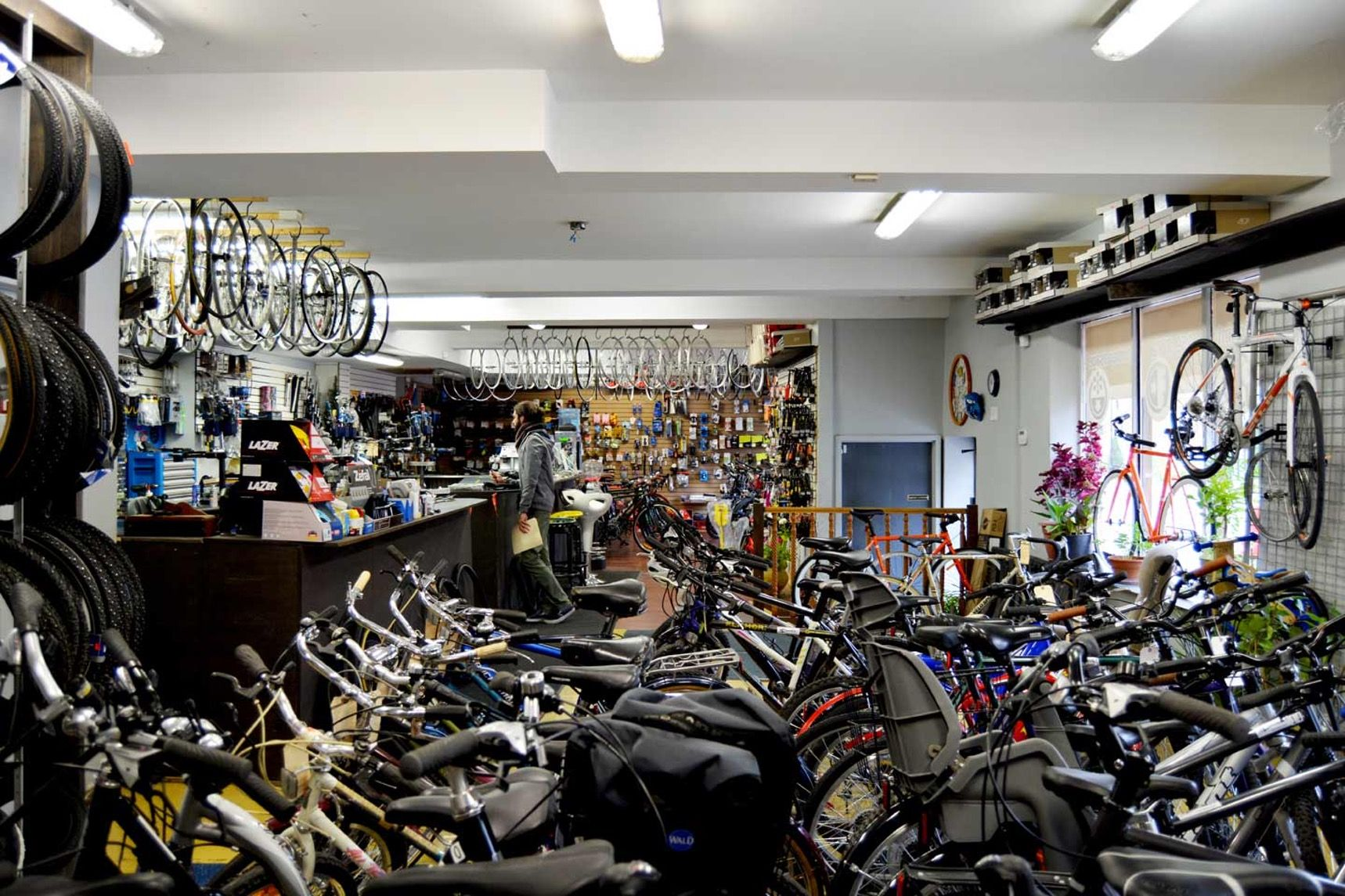 On The Grid Velo Montreal Rosemont Montreal Bike Shop Bike Stationary Bike