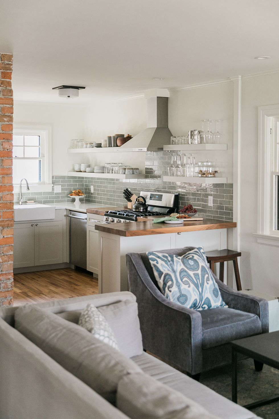 These Kitchen Peninsulas Are Gorgeous And Functional Open Concept Kitchen Living Room Open Concept Living Room Open Kitchen And Living Room