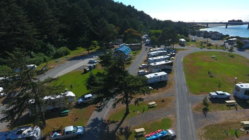 Turtle Rock Rv Resort 28788 Hunter Creek Loop Gold Beach Or 97444 Oregon Travel Rv Resort Hunters Creek
