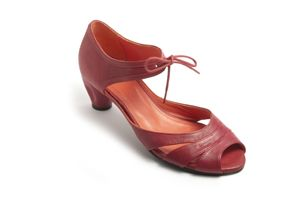 nina red, handmade in Spain by Vialis
