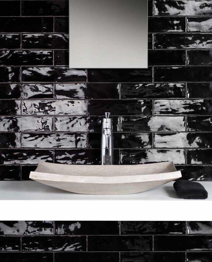 Carrelage Metro Noir Qui Invite L Elegance Intemporelle Dans Nos Domiciles Maison 2018 Diy Bathroom Remodel Subway Tiles Bathroom Bathroom Pictures