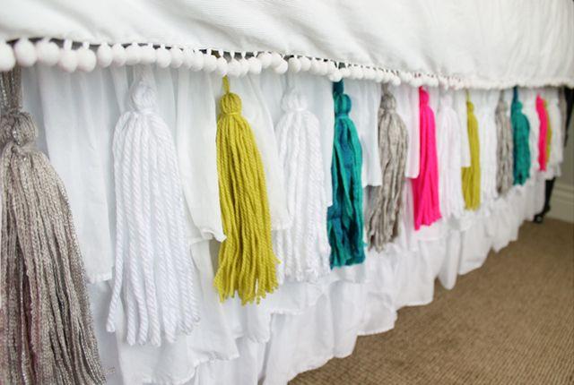 DIY Yarn Tassel Bedskirt                 Once i first found cells tassels, We created t...