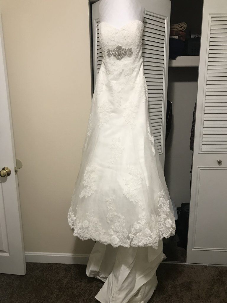 Alfred Angelo 2438 Size 4 Used Wedding Dress Front View On