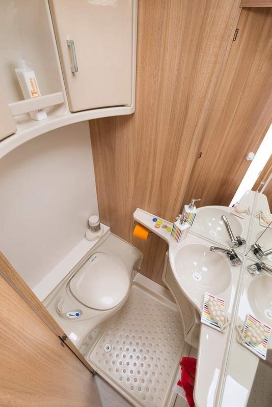 330 Compact - Sterckeman שירותים פלוס מקלחת #caravanbathroom