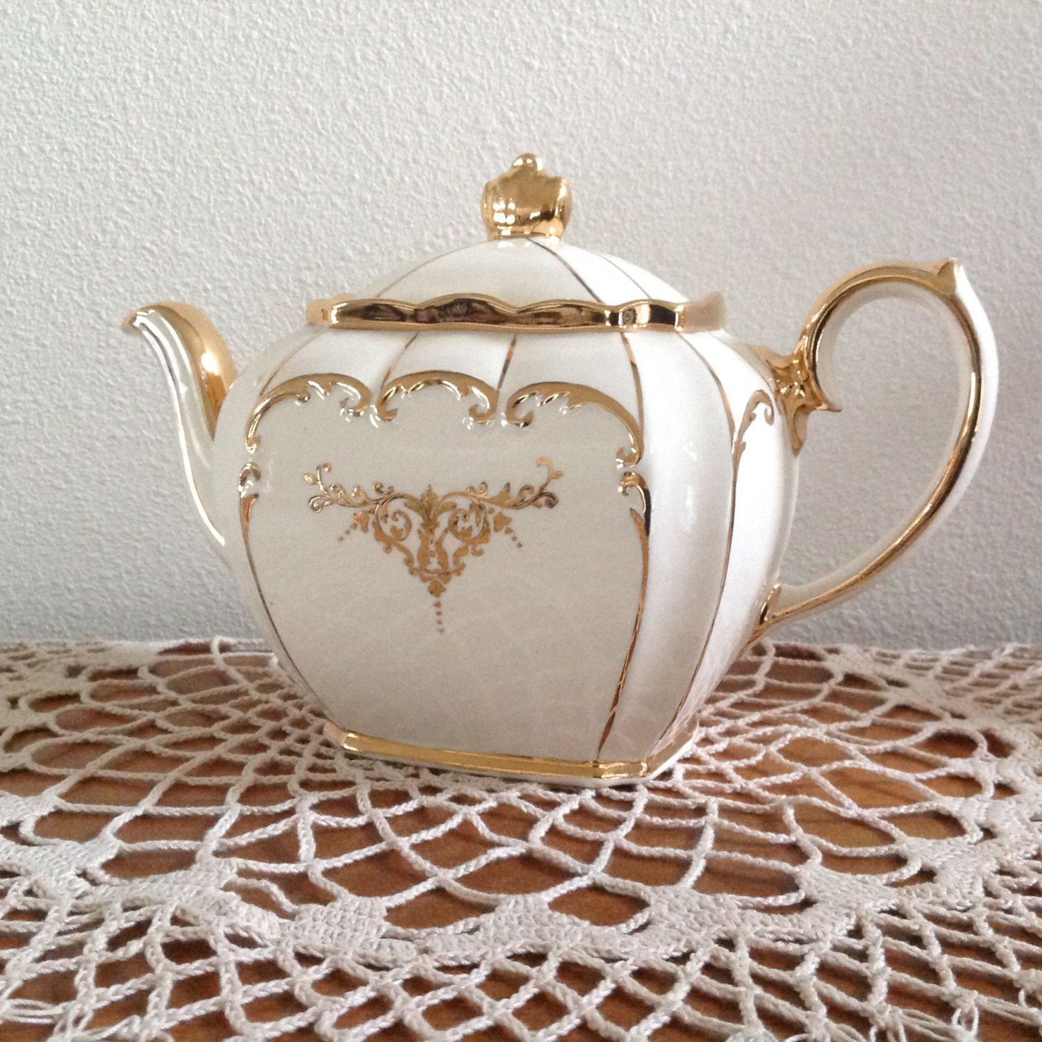 Classic Sadler Cube 1919 Ivory Cream And Gold Teapot By