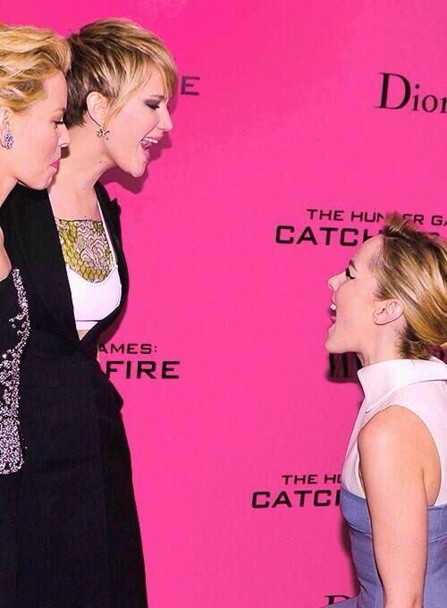 Jennifer Lawrence Jena Malone And Elizabeth Banks Jennifer