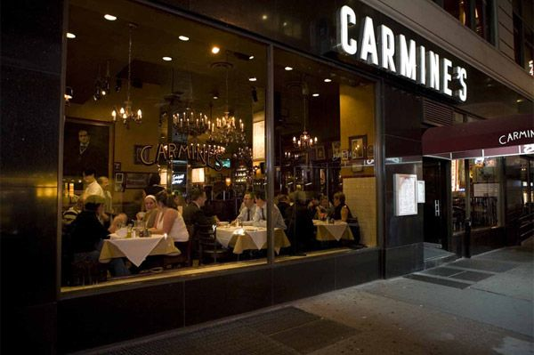 Carmine S Nyc Legendary Family Style Italian Restaurant Locations Theater District Gallery