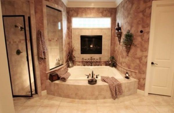 Badezimmer Designs mit Einbaukamine 2021