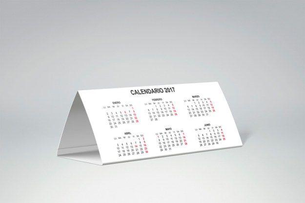 26972b0366dfc Este  calendario triangular de mesa es ideal para completar tu lugar de   trabajo