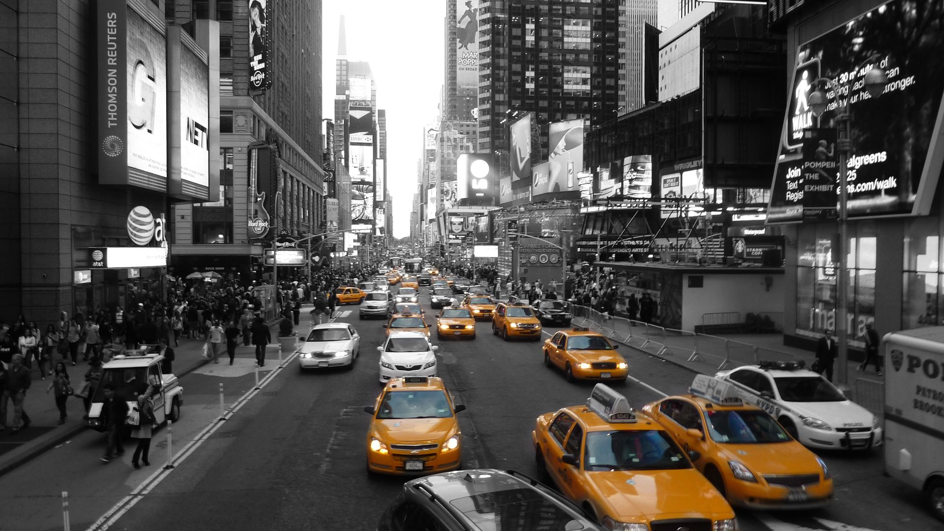 New York City Street Black And White Wallpaper Yellow Taxi New York Wallpaper New York City Background City Wallpaper